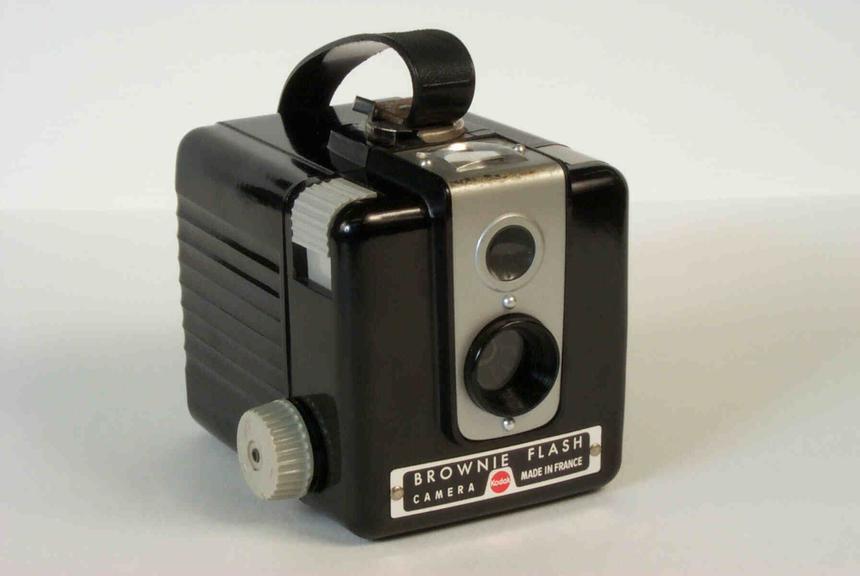 kodak brownie flash camera science museum group collection. Black Bedroom Furniture Sets. Home Design Ideas